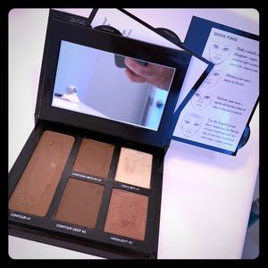Laura Mercier contouring kit with tips